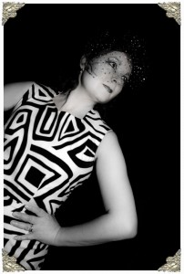 mono_dress_film_noir_2