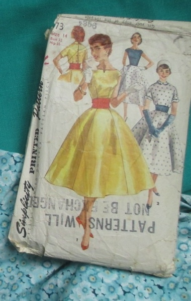 Simplicity 1573 pattern and fabric