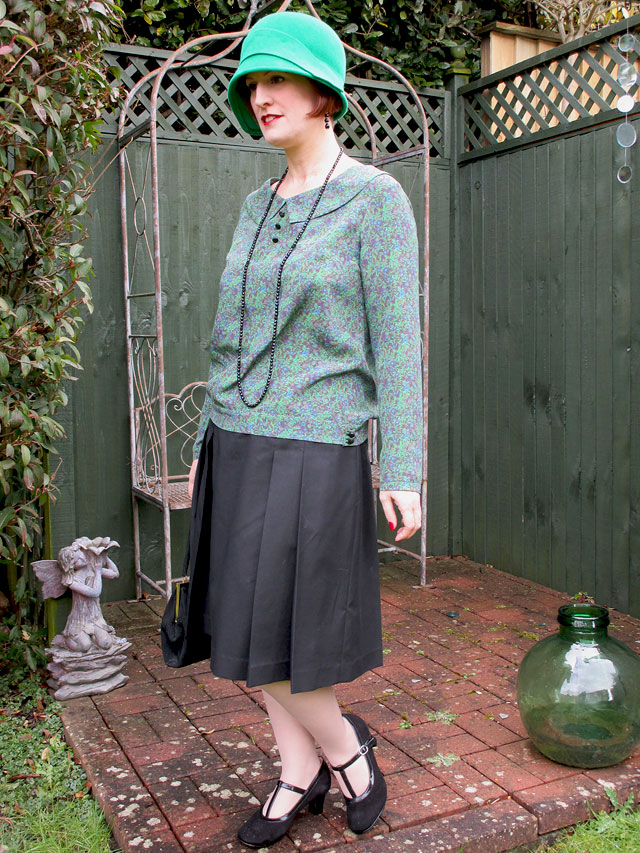1920s blouse, skirt and cloche hat
