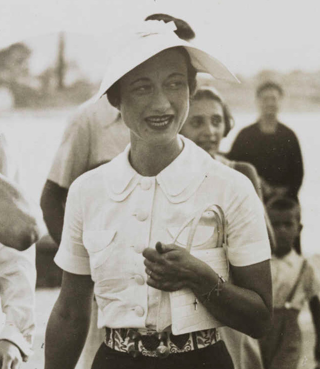 Wallis Simpson, double collar blouse, 1936
