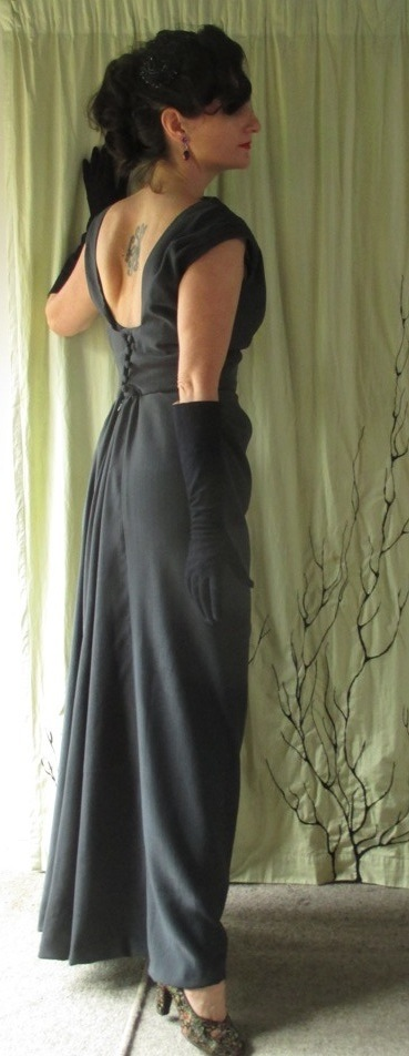 Vogue 273 full length back