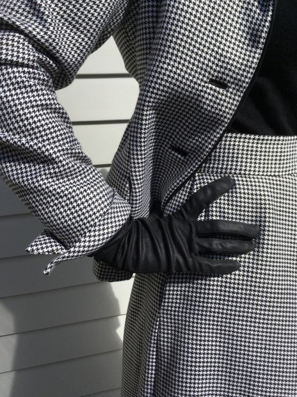 My vintage suit sew along gloves, cuffs